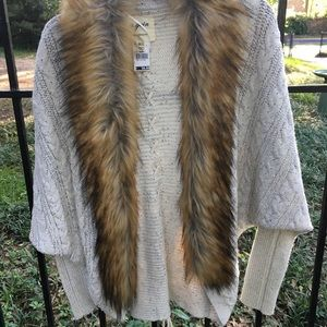 Faux fur collar cocoon sweater